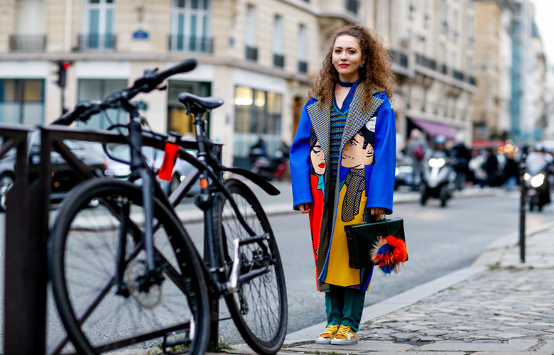pop-art-coat-paris-fashion-week-street-style-haute-couture-2