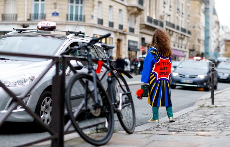 pop-art-coat-paris-fashion-week-street-style-haute-couture-3
