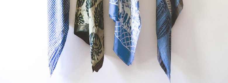 Indio – blue-white summer scarves