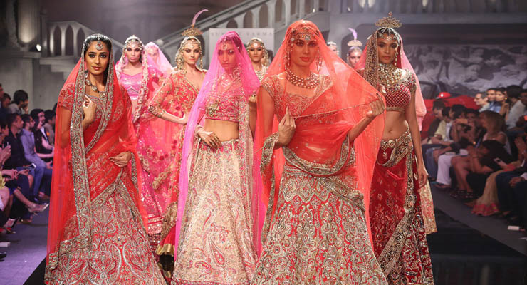 2_indian_designer_suneet_varma_who_collaborates_with_swarovski_source_courtesy_copy