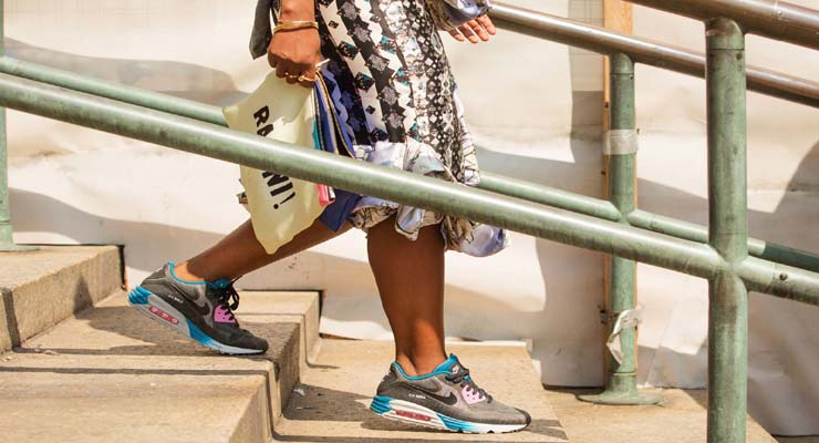 Nike air max 90 street style New York – stylish shoes for fall