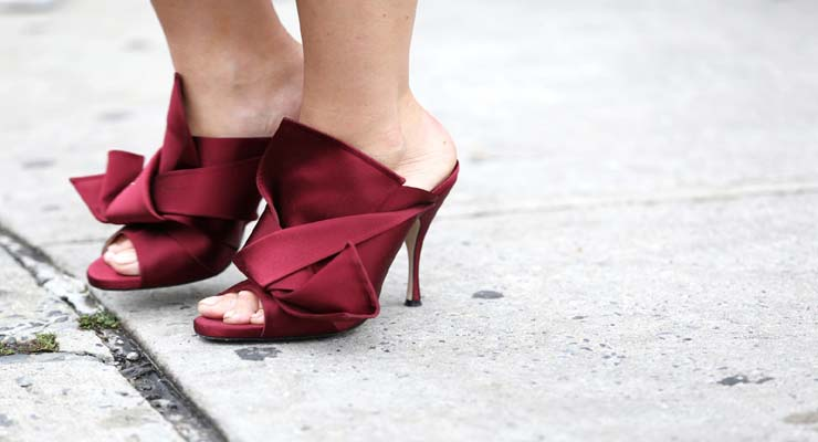 satin shoes street style – sneakers, slippers, pumps in satin