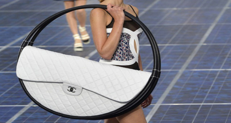 angel-in-the-north-blog-fashion-spring-summer-2013-trends-chanel-hula-hoop-bag