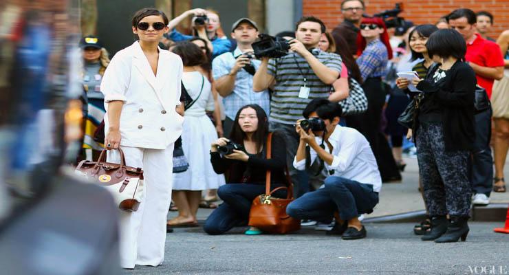 miroslava-duma-white-suit-ralph-lauren-bag-new-york-fashion-week-spring-2013-street-style-1140x833