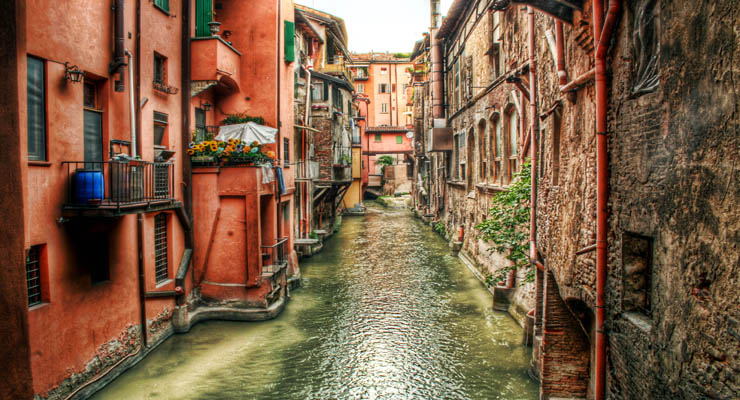 Canali Di Bologna Italy – Water canals in Bologna Italy