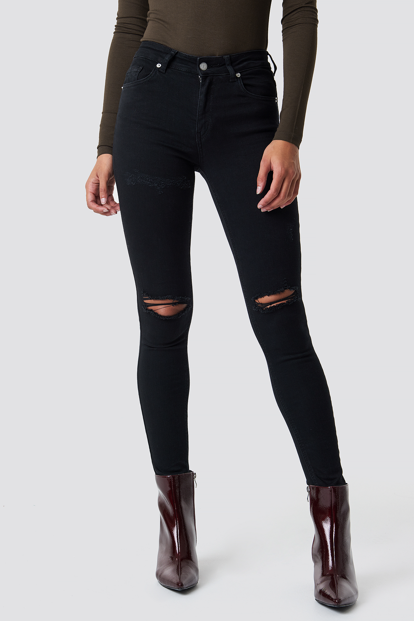 Skinny Mid Waist Destroyed Jeans